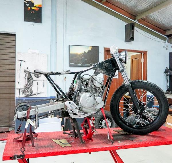 deus_motorcycle